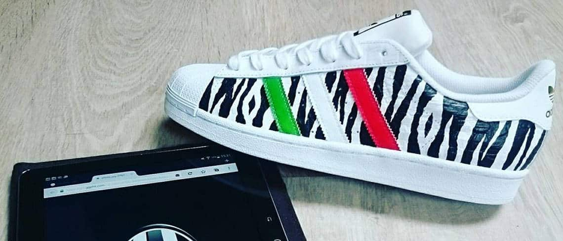 Chaussures customisées custom sneakers adidas superstar juventus double g customs