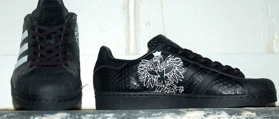 Chaussures customisées custom sneakers adidas superstar polska double g customs