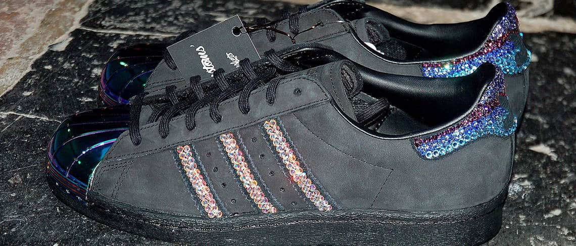 Chaussures customisées custom sneakers adidas superstar swarovski maniac double g customs