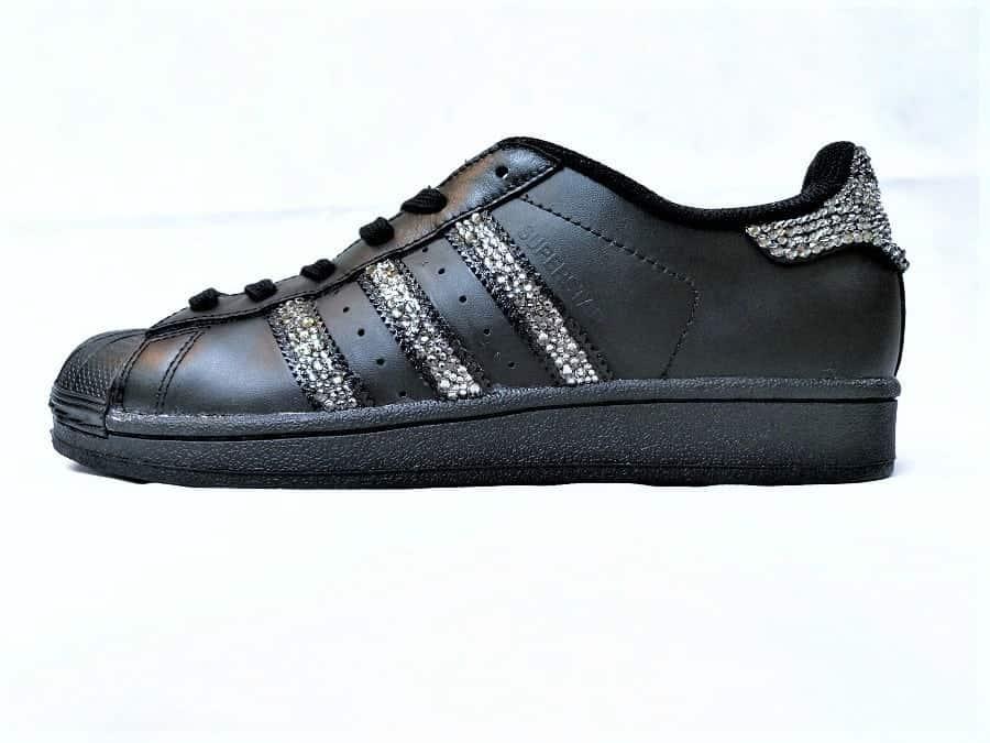 adidas superstar all black