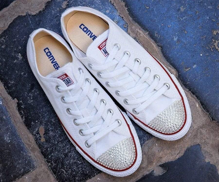 Chaussures personnalisées Converse Swarovski créées par Double G Customs, artiste Belge, créateur de chaussures personnalisées sur mesure. Créez la paire de chaussures personnalisées de vos rêves selon vos envies avec Double G Customs