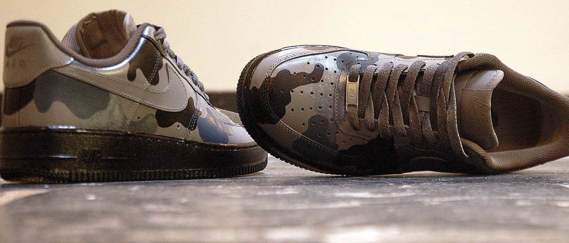Chaussures customisées custom sneakers nike air force 1 one grey camo double g customs
