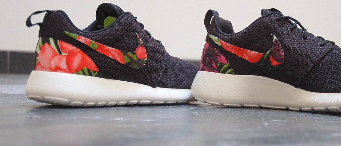 Chaussures customisées custom sneakers Nike roshe floral double g customs