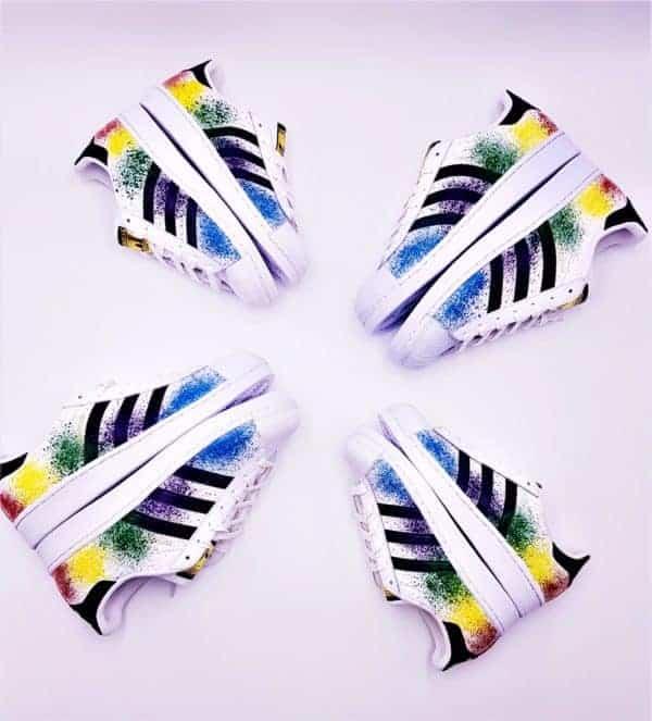 Adidas Color Splash Superstar, des chaussures customisées avec des color splash par Double G Customs, créateur de sneakers custom.