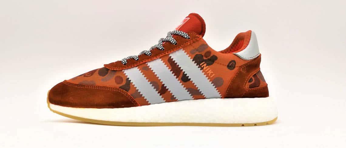 chaussures customisées, adidas iniki rust camo réalisée par l'artiste double g customs
