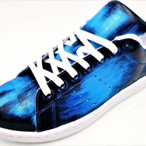 Adidas Stan Smith Patine Bleu réalisée par Double G Customs, artiste créateur de chaussures personnalisables sur mesure en Belgique.