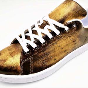 Adidas Stan Smith Patine Brun - Or réalisée par Double G Customs, artiste créateur de chaussures personnalisables sur mesure en Belgique.