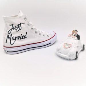 Chaussures personnalisées Converse Mariage avec les inscriptions Just Married et Mrs / Mr pour les futurs mariés. Créez votre paire de converse mariage sur mesure avec double g customs, créateurs de chaussures personnalisées.