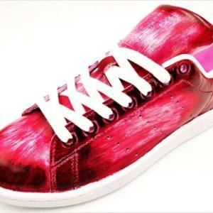 Chaussures personnalisées Adidas Stan Smith Patina Rouge par Double G Customs. Création de chaussures personnalisables sur mesure en Belgique