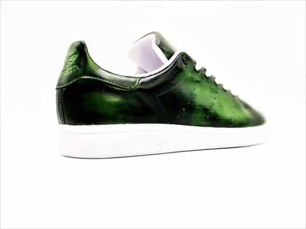 Chaussures personnalisées Adidas Stan Smith Patina Olice par Double G Customs