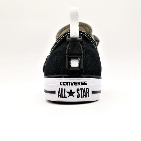 Chaussures converse chuck taylor customisées Engineer Techwear par l'artiste belge Double G Customs. Chaussures personnalisées dans un style futuriste techwear