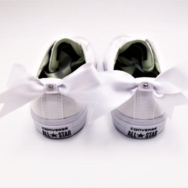 converse fairy, chaussures personnalisées par double g customs dans le style des converse just married avec des strass swarovski et des rubans en satin
