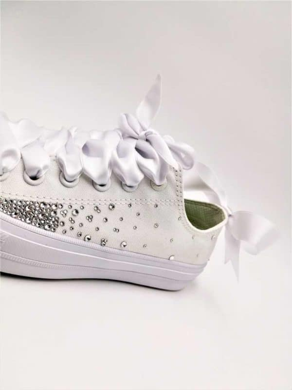 Converse Wedding Fairy Galaxy par Double G Customs