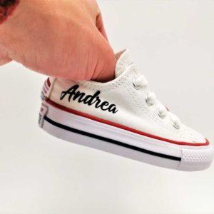 Converse Baby Name, chaussures personnalisées par double G Customs. Chaussures pour les naissances, mariages, baptêmes, communions. Chaussures personnalisées par Double G Customs, artsite belge spécialisé dans la customisation.