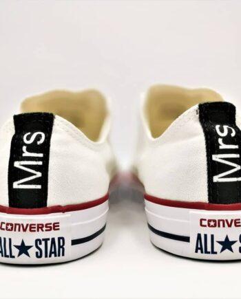 Chaussures personnalisées Converse Wedding réalisées par Double G Customs pour les mariages. Chaussures personnalisées Converse Wedding Mr - Mrs, Converse personnalisées pour les mariages.