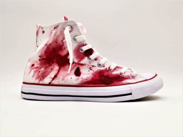 converse massacre par Double G Customs