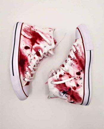 Converse massacre, chaussures customisées par double g customs dans l'esprit de la série DEXTER: sang massacre, psychopathe