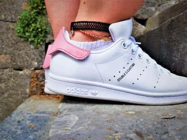 Adidas Stan Smith Patch par double g customs. Chaussures personnalisées adidas stan smith avec des patchs arrières interchangeables
