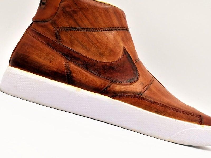 Nike lab blazer lab custom par Double G Customs, chaussures customisées avec une patine effet bois.
