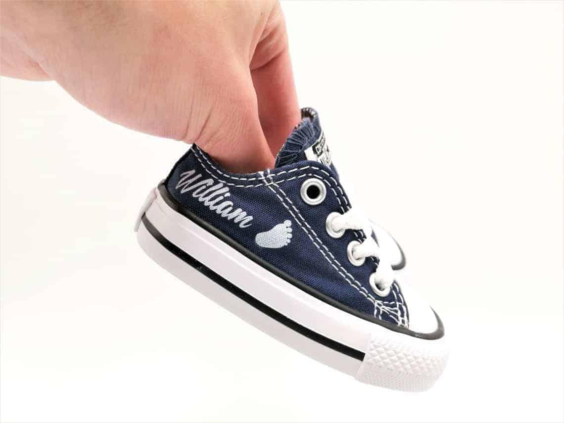 28d93ebb98fa8 Converse Baby Naissance - Double G Customs - Chaussures personnalisées