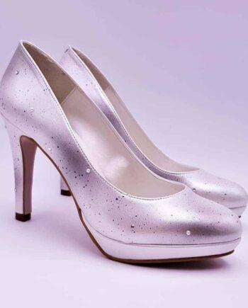 Les Giulia pearl, des chaussures de mariage personnalisées pour les princesses. L'accord parfait entre brillance, confort et élégance par Double G Customs.