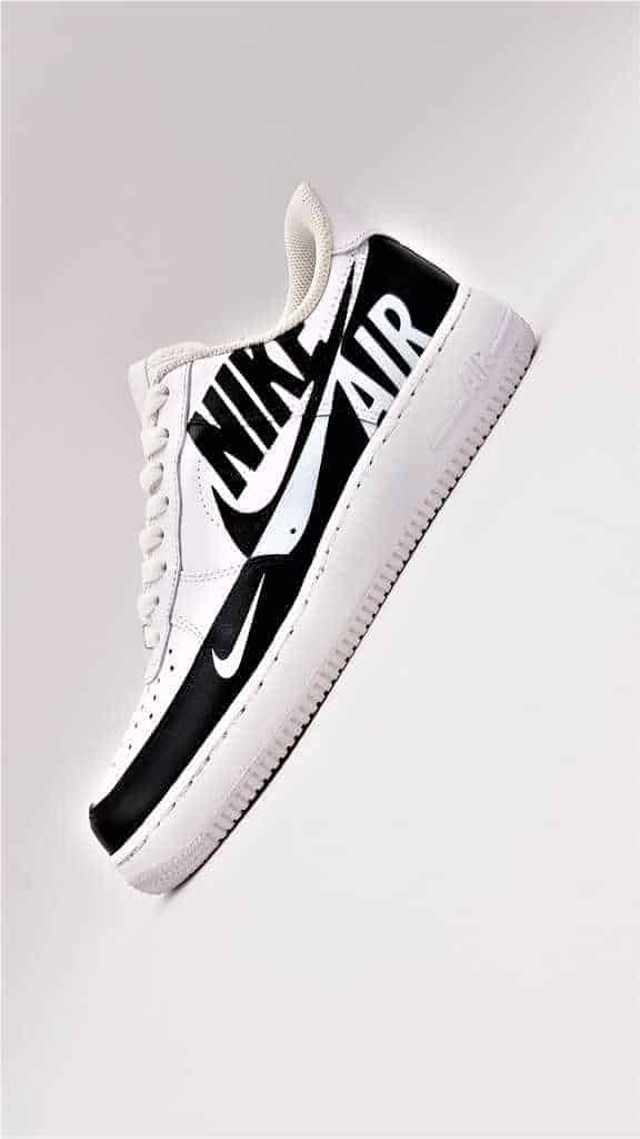 Nike Air Force 1 Reverse custom par Double G LAB, Footwear Designer at Double G Customs.