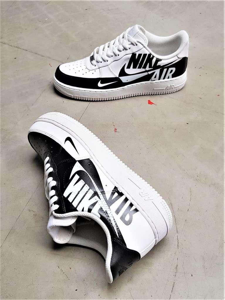 Nike Air Force 1 Reverse custom par Double G LAB, Footwear Designer at Double G Customs.