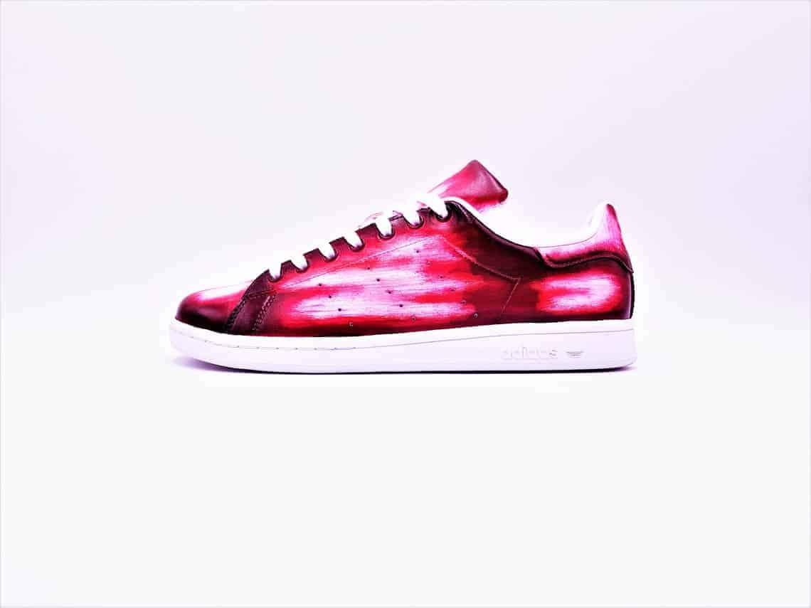 Adidas Stan smith patine réalisée par double g customs, créateur de chaussures patinées sur mesure.