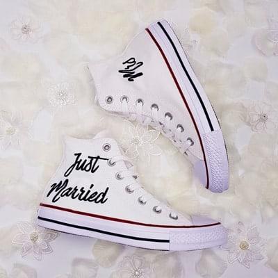 converse mariage réalisées par double g customs, création de chaussures de mariage personnalisées, converse just married.;