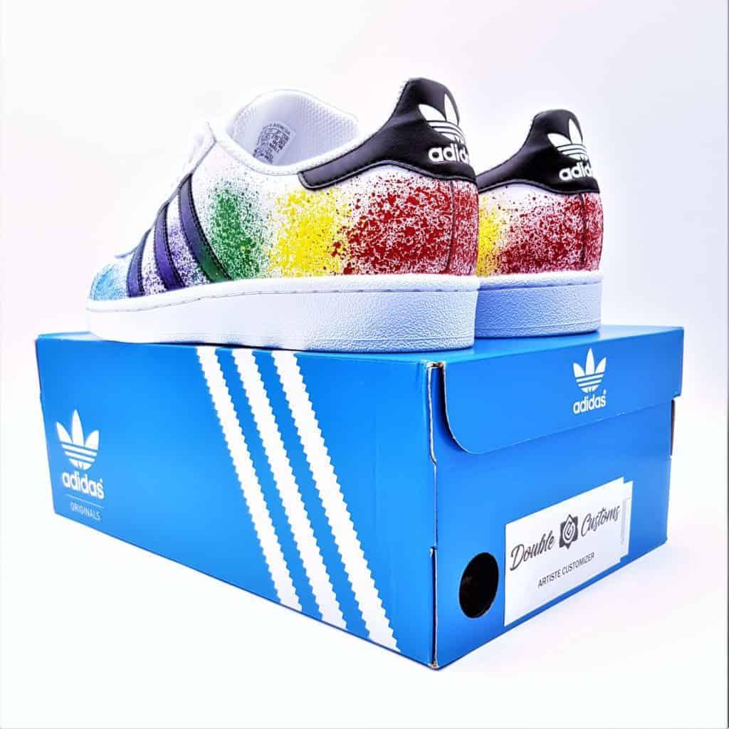 chaussures customisées adidas color splash superstar par double g customs, créateu de chaussures personnalisées