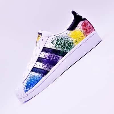 adidas superstar color splash chaussures customisées par double g customs, artiste créateur de chaussures personnalisées
