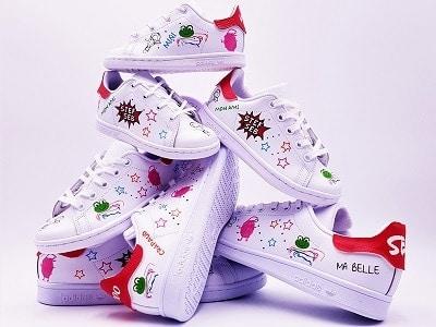 adidas stan smith custom pour mariage par double g customs, chaussures de mariage personnalisées en Belgique.