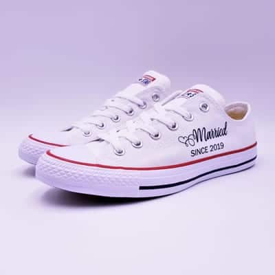 Converse Married Since par double G Customs, chaussures personnalisées pour les mariages.