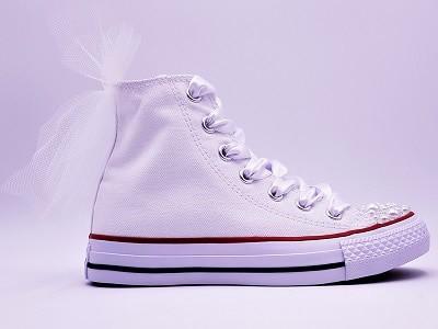 Chaussures de mariage personnalisées par double g customs, converse mariage personnalisée avec des perles et des strass swarovski