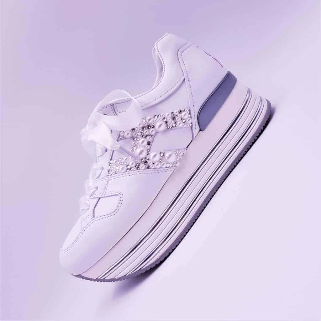 Chaussures Hogan personnalisées par Double G Customs avec des perles et des strass Swarovski pour les mariages.