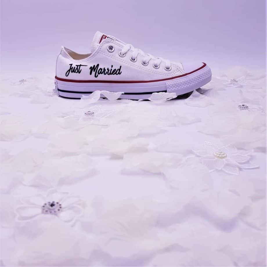 just-married-converse-mariage-double-g-customs (5)