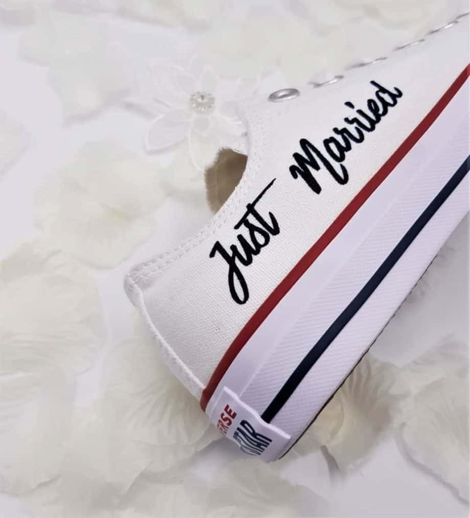 just-married-converse-mariage-double-g-customs (6)