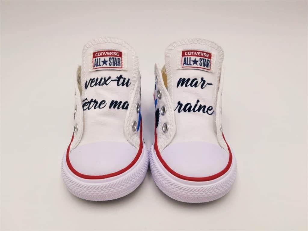 Converse marraine par Double G Customs, chaussures personnalisées pour naissance.