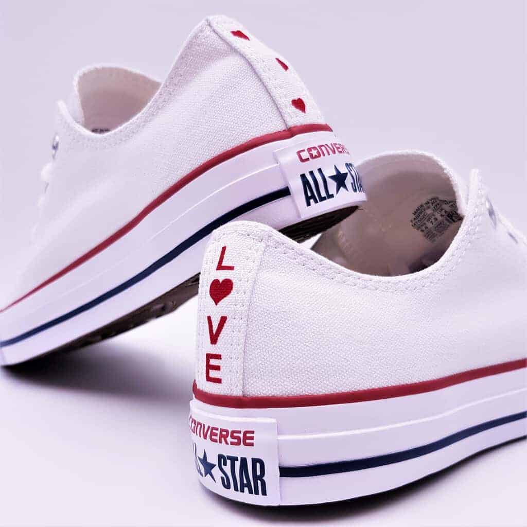 Chip Miseria Iluminar  Converse Love<3 - Double G Customs - Chaussures personnalisées -=