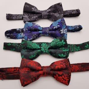 Noeud papillon fleur, complétez votre tenue de mariage avec ces noeuds papillons à fleurs chez Double G Customs.